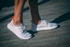 Women's Breathable white deck Shoe